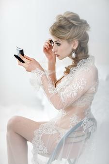 Piękna blond panna młoda