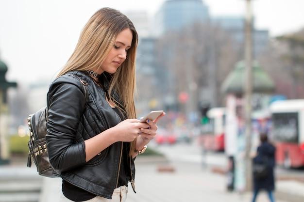 Piękna dziewczyna miasta sms-y.