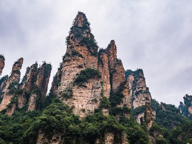 Piękna góra yuanjiajie w parku narodowym zhangjiajie