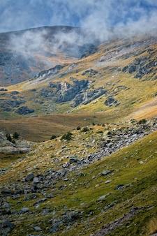 Piękna górska dolina w hiszpanii (pyreness)