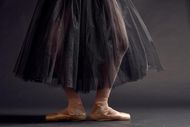 Piękna kobieta elegancki styl sztuki równowagi artysty studio stylu życia. zdjęcie wysokiej jakości