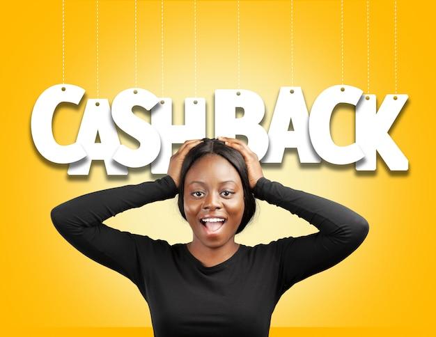 Piękna kobieta i tekst cash back