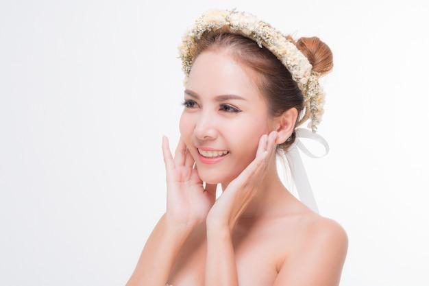 Piękna kobieta portret, pielęgnacji skóry lub piękna koncepcja