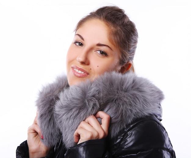 Piękna kobieta w futrze