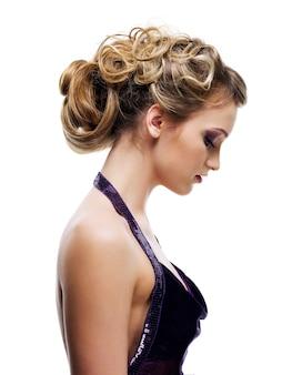 Piękna, kręcona fryzura