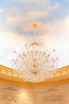 Piękna luksusowa elektryczna lampa sufitowa lekka dekoracja