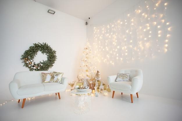 Piękna magiczna dekoracja świąteczna