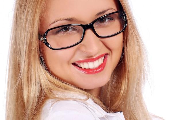 Piękna młoda i atrakcyjna kobieta