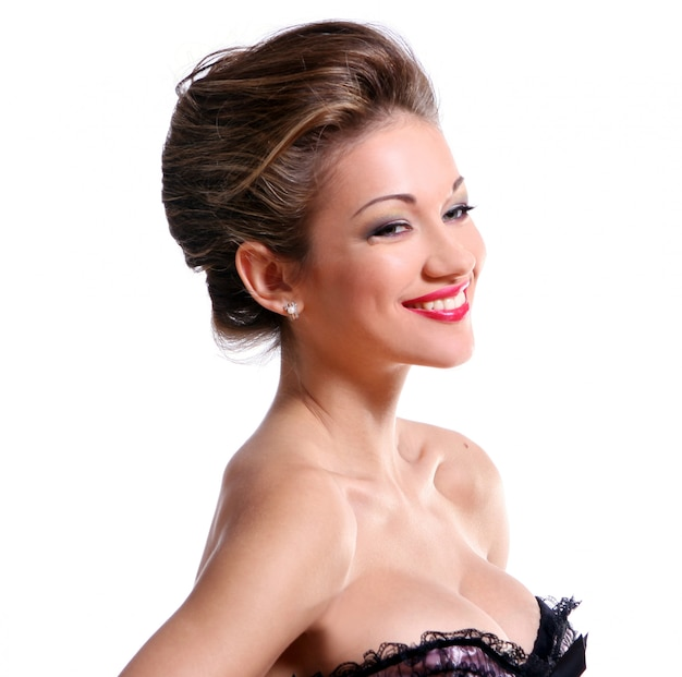 Piękna młoda kobieta z makijażem