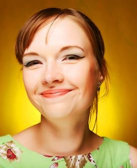 Piękna młodej kobiety twarz, zamyka up.