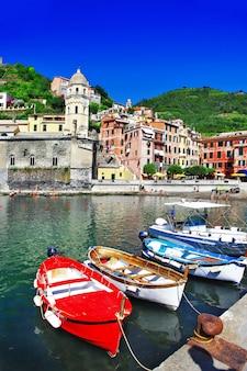 Piękna nadmorska miejscowość w cinque terre we włoszech