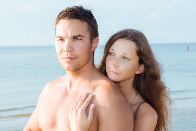 Piękna para na plaży