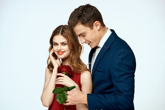 Piękna para urok związek romans róże luksus miłość jasnym tle.