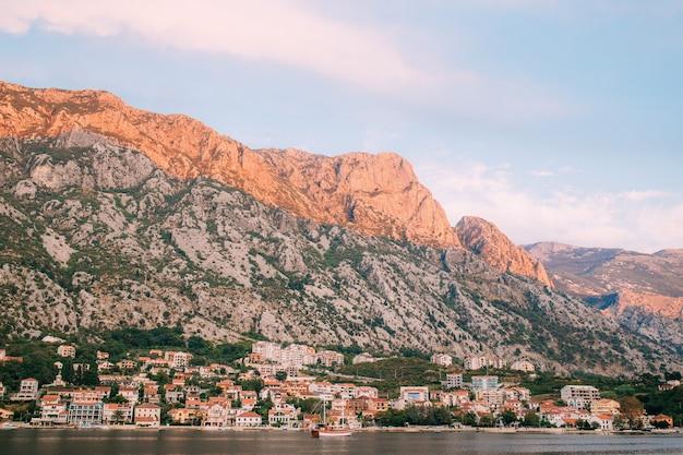 Piękna przyroda góry krajobraz