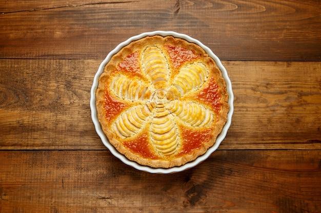 Piękna świeża organiczna tarta gruszkowa