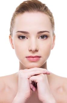 Piękna twarz kobiety zdrowia z czystą skórą czystości
