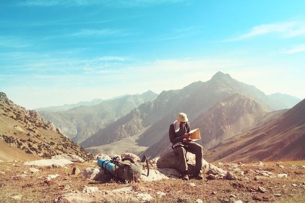 Piękna wysoka góra w pamirze