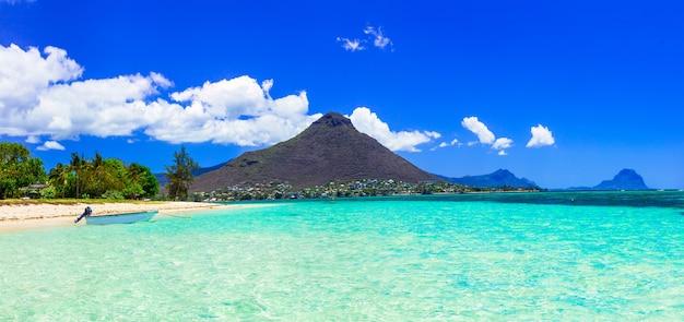 Piękna wyspa mauritius ze wspaniałą plażą flic en flac