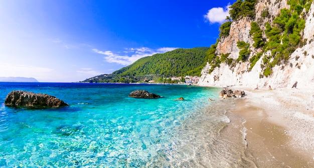 Piękna wyspa skopelos, malownicza plaża hovolos