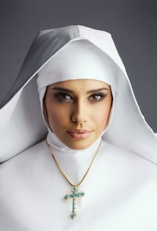 Piękna zakonnica
