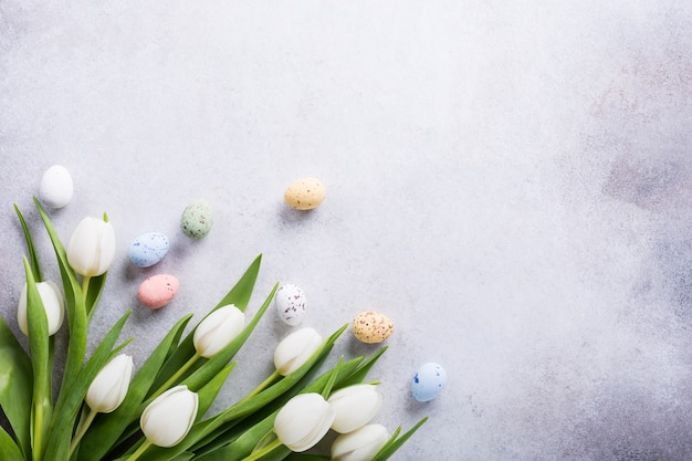 Piękne białe tulipany