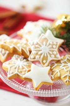 Piękne ciasteczka ze świątecznym wystrojem