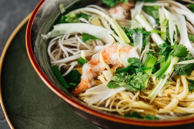 Piękne danie kuchni wietnamskiej