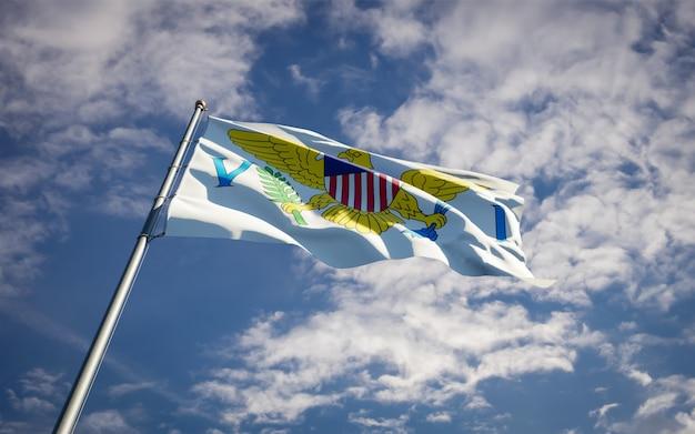 Piękne flagi państwowe wysp dziewiczych fruwające na błękitnym niebie