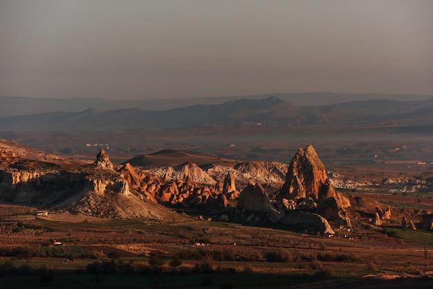 Piękne formacje geologiczne, kapadocja, turcja
