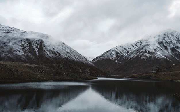 Piękne himalaje góry w pakistan