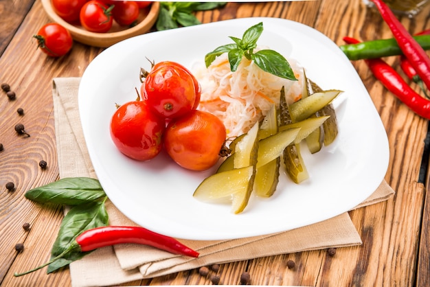Piękne i smaczne jedzenie na talerzu