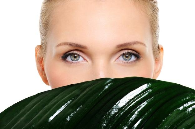 Piękne i zdrowe oczy kobiety