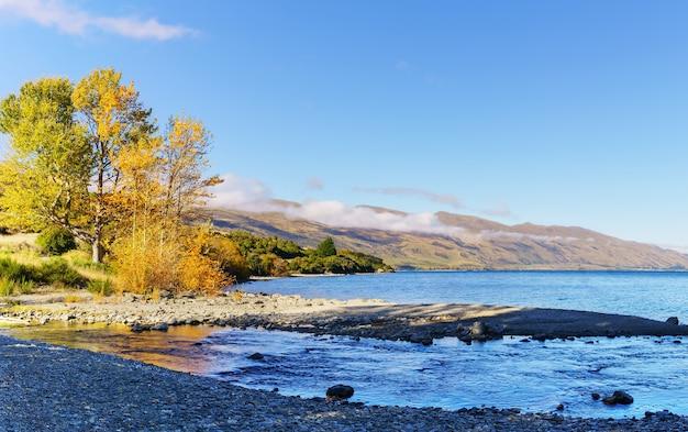 Piękne jezioro wakatipu, południowa wyspa nowej zelandii