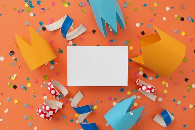 Piękne kolorowe tło z gratulacjami urodzinowymi