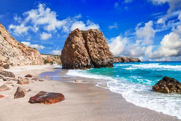 Piękne malownicze plaże greckich wysp