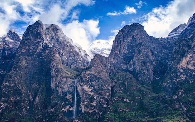 Piękne pasmo górskie gorkha, nepal.