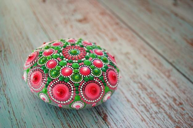 Piękne ręcznie malowane mandale