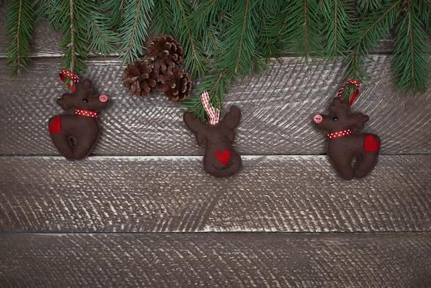 Piękne ręcznie robione ozdoby świąteczne z filcu