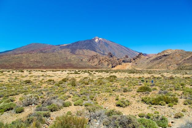 Piękne ujęcie górskiego krajobrazu parku narodowego teide w paradores, hiszpania