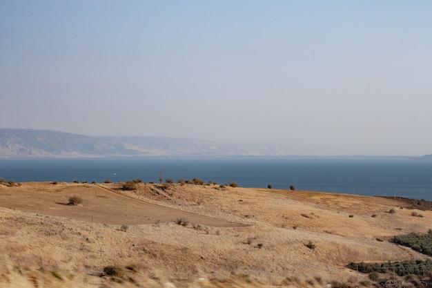 Piękne wybrzeże morza martwego w izraelu