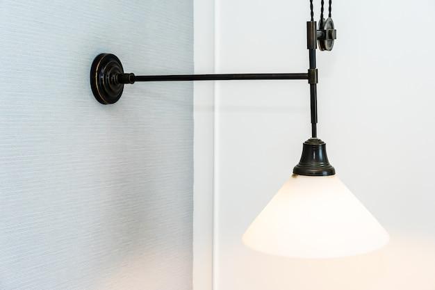 Piękne zabytkowe lampy dekoracyjne wnętrza lampy