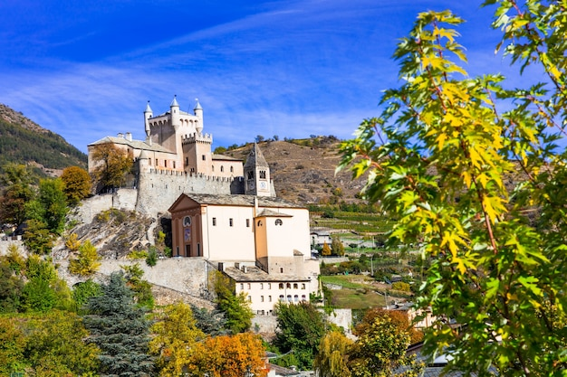 Piękne zamki valle d'aosta