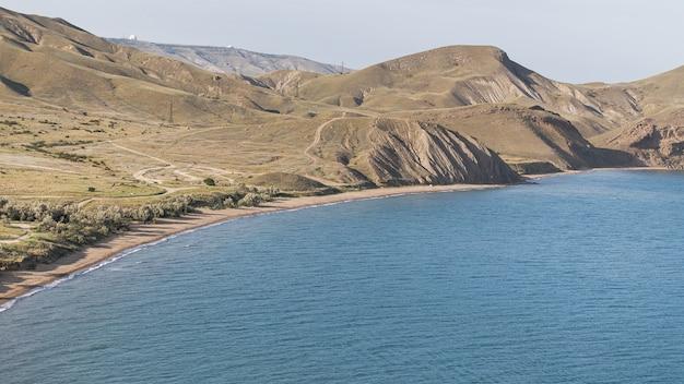 Pięknego oceanu krajobrazu wysoki widok