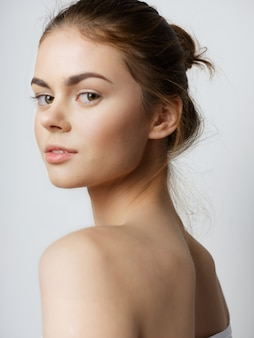 Piękni młodzi ludzie modelują pozować, piękna pojęcie, moda portret
