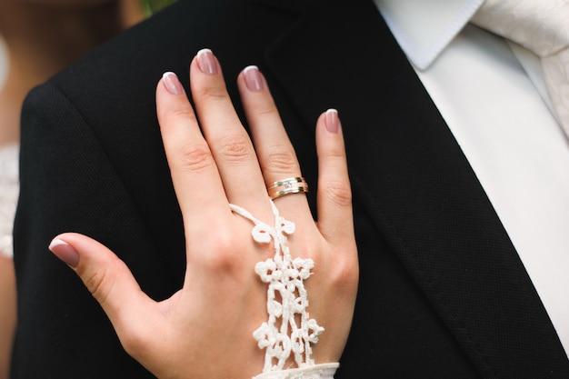 Piękni panna młoda ślubu szczegóły jako tło