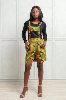 Piękno młoda afro amerykańska kobieta