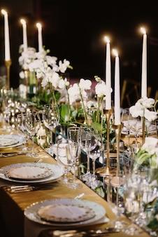 Piękno nakrycia stołu w luksusowe miejsce