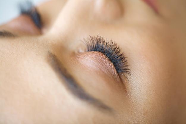 Piękno oczu makijaż zbliżenie.