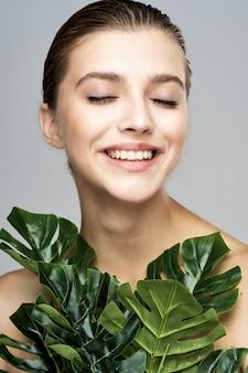 Piękno portret kobiety, pielęgnacja skóry twarzy, zabieg kosmetyczny
