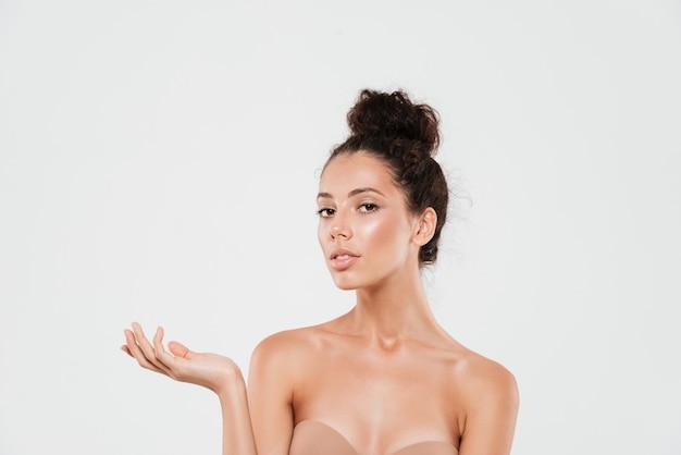Piękno portret młodej kobiety brunetka